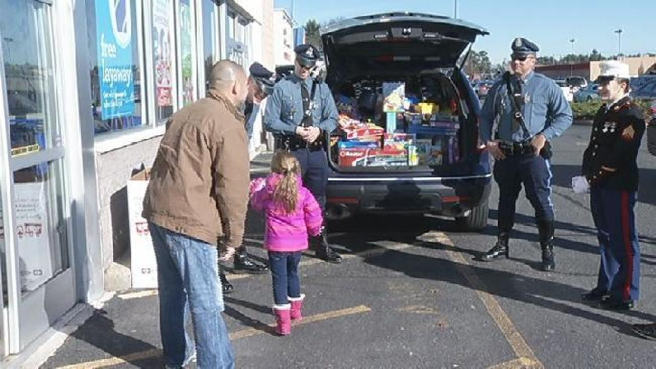 Police Toys For Tots 2017 : Toys for tots drop off locations massachusetts wow