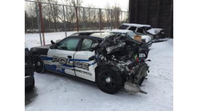 5 injured, Wisconsin police cruiser totaled while parked on
