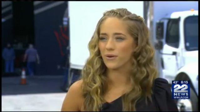 brynn cartelli among nbc s the voice contestants performing in live