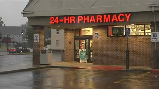 Walgreens in Springfield robbed by 3 men with guns